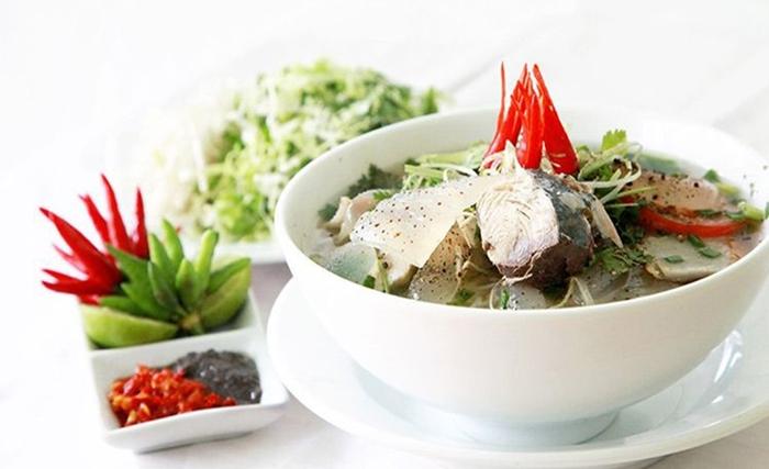 Bún sứa là một trong những món ăn không thể bỏ qua khi đến Nha Trang