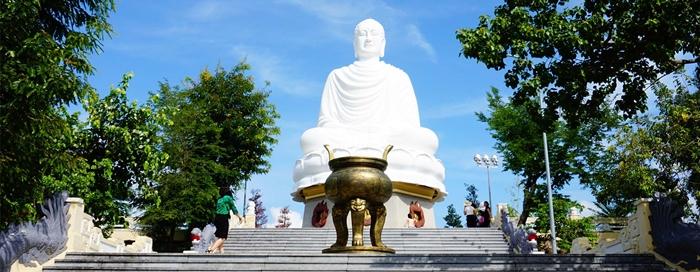 Chùa Long Sơn ngôi chùa lớn nhất tại Nha Trang