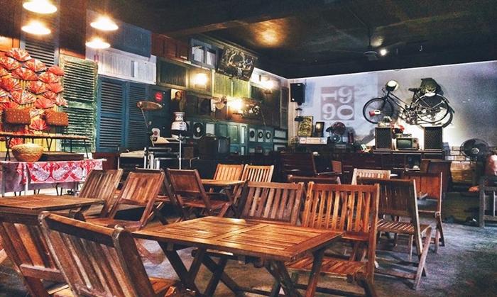 Tìm về ký ức thế kỷ 20 tại Café 1990