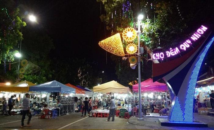 Mua sắm thả ga ở chợ trung tâm Quy Nhơn