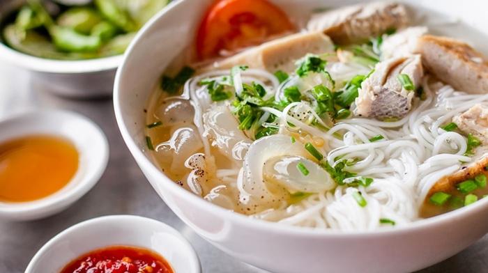 Ấm bụng với tô bún sứa Nha Trang ngon lành