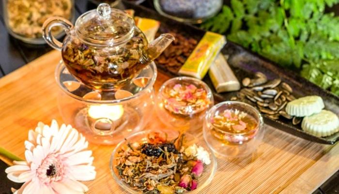 Thưởng thức trà cung đình Huế trong chuyến du lịch miền Trung