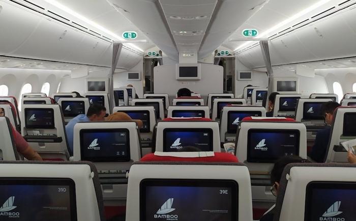 Khoang phổ thông trên máy bay Boeing 787-9 Bamboo Airways